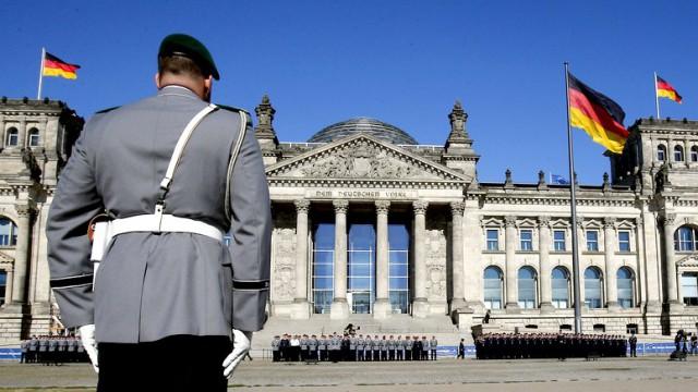 Немцам объявили, что в случае войны кормить не будут