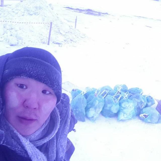 Волонтер собрал 14 мешков мусора на Зеленом лугу, где была крещенская купель