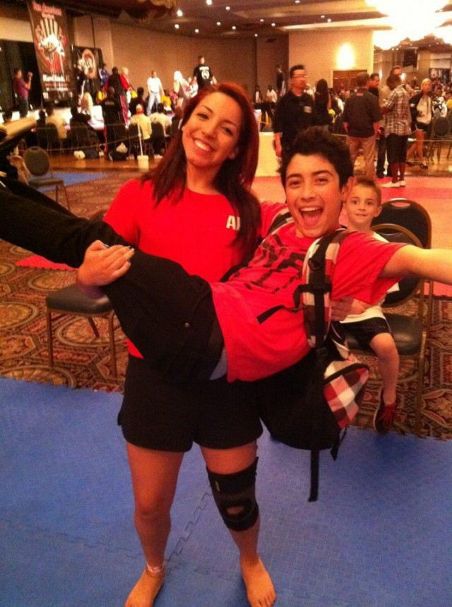 21-летнюю тренера по карате арестовали за отправку интимных фото 11-летнему мальчику