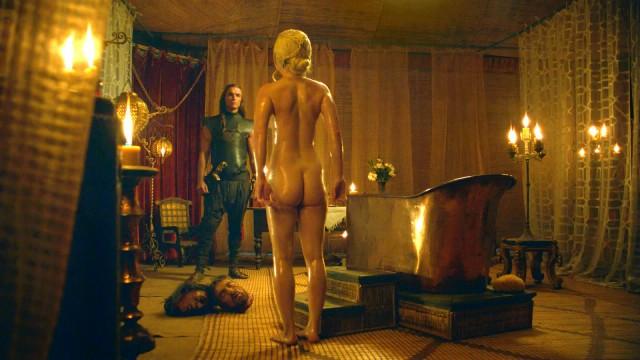 Играть голая женщина играть