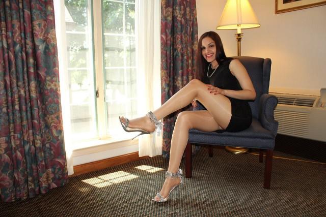 Фото жены в колготках частное фото