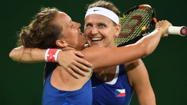 Сёстры Уильямс вылетели в первом раунде парного разряда в Рио