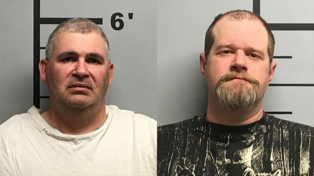 Два пьяных американца решили проверить бронежилет и расстреляли друг друга из винтовок