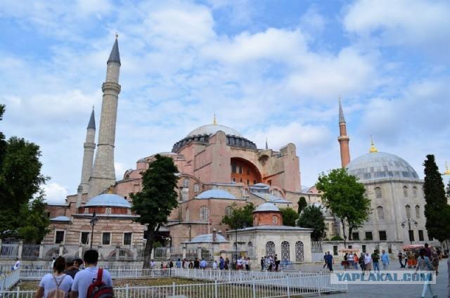 Собор Святой Софии снова стал мечетью