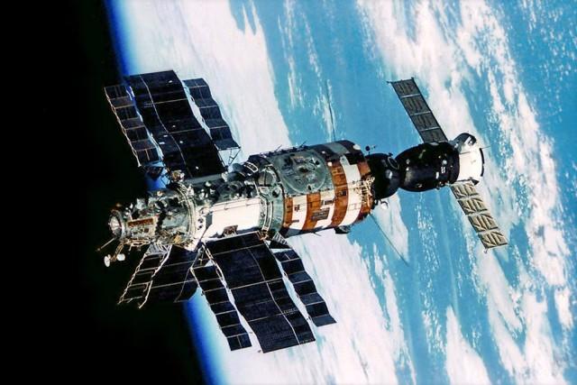 """""""Салют-7"""": подробности засекреченного ЧП в космосе."""