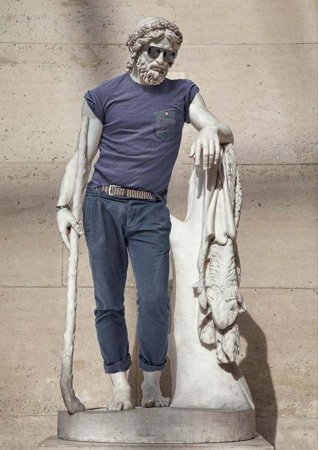 Классические скульптуры: оденьтесь, замерзнете...