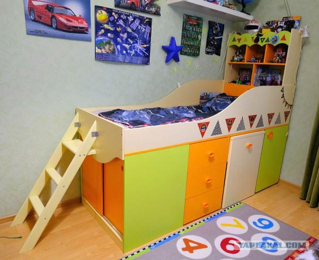 Детский спальный комплекс со столом
