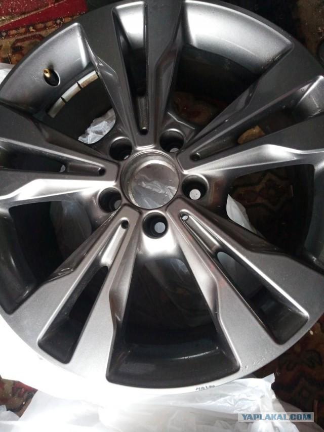 Продам диски R18 оригинал Mercedes