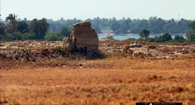 Нехеб, древний город Верхнего Египта. Часть II: город внутри массивной стены