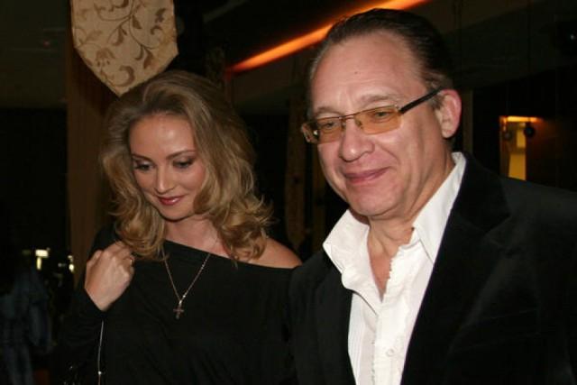 Старики-разбойники: российские знаменитости, женившиеся на молодых