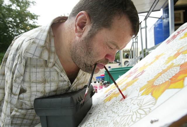 Фотки человека который рисует