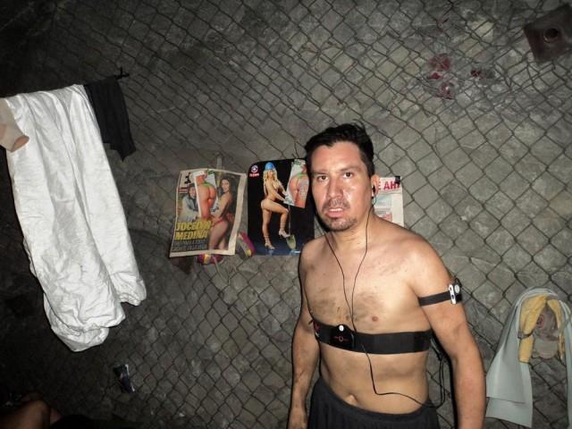 Из-под земли достал: Фоторепортаж из-под земли, снятый шахтером в завале