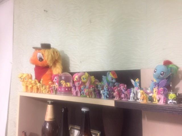 Продам коллекцию пони
