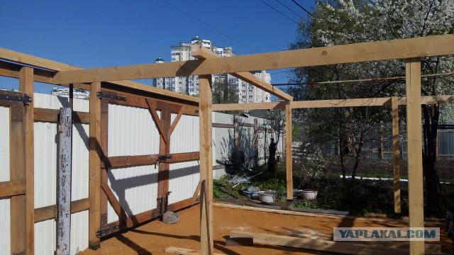 Стройка крытой площадки
