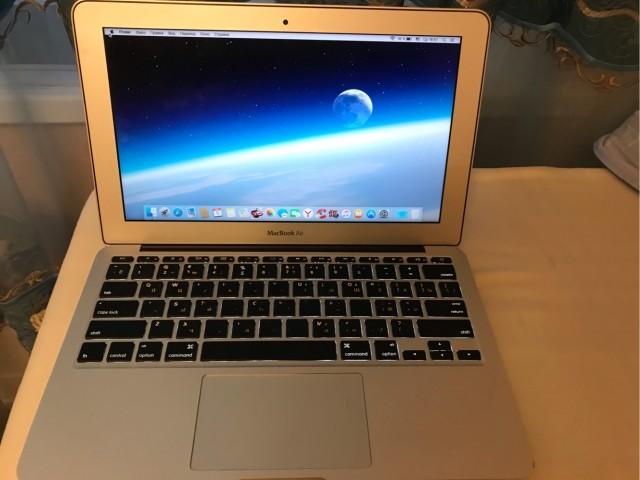 MacBook Air 11 2011 core i5/4gb /ssd 120
