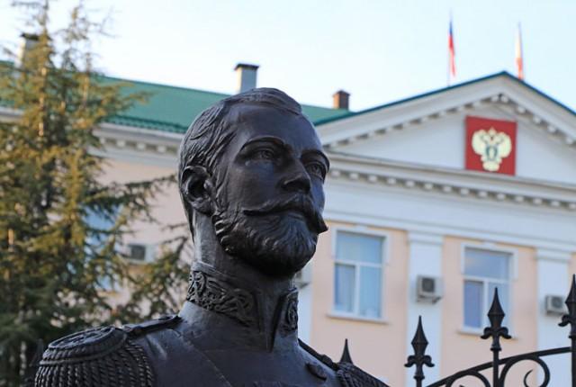 Церковная комиссия опровергла мироточение бюста Николая II в Симферополе
