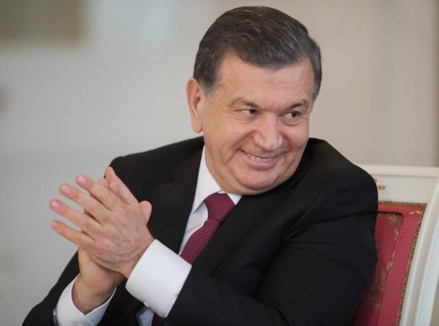 Президент Узбекистана заявил о введении 24-часового рабочего дня для чиновников