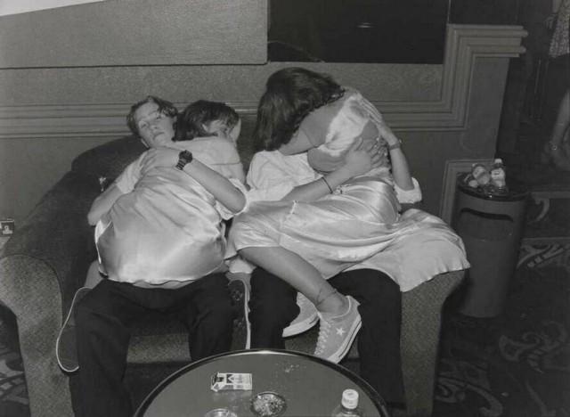 «Агония и экстаз»: гормонально заряженные фотографии юных влюблённых из 90-х