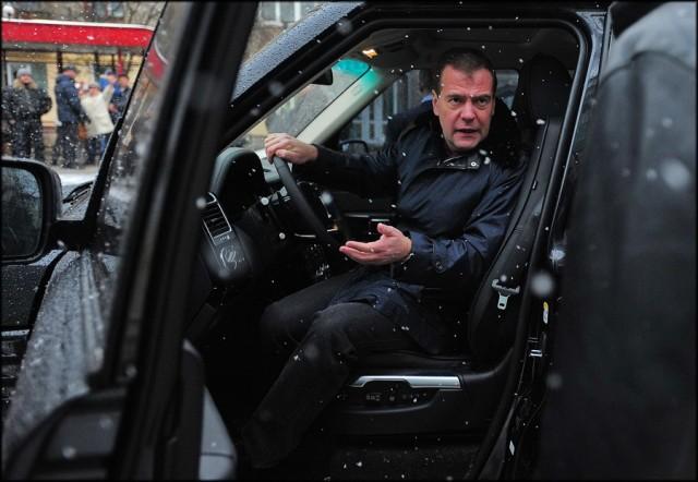 Медведев раскритиковал снижение порога превышения скорости до 10 км/ч