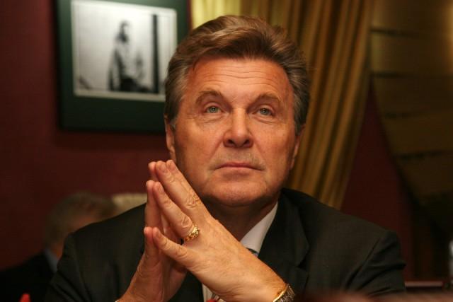 Лев Лещенко поставил на место Галкина, решившего его передразнить