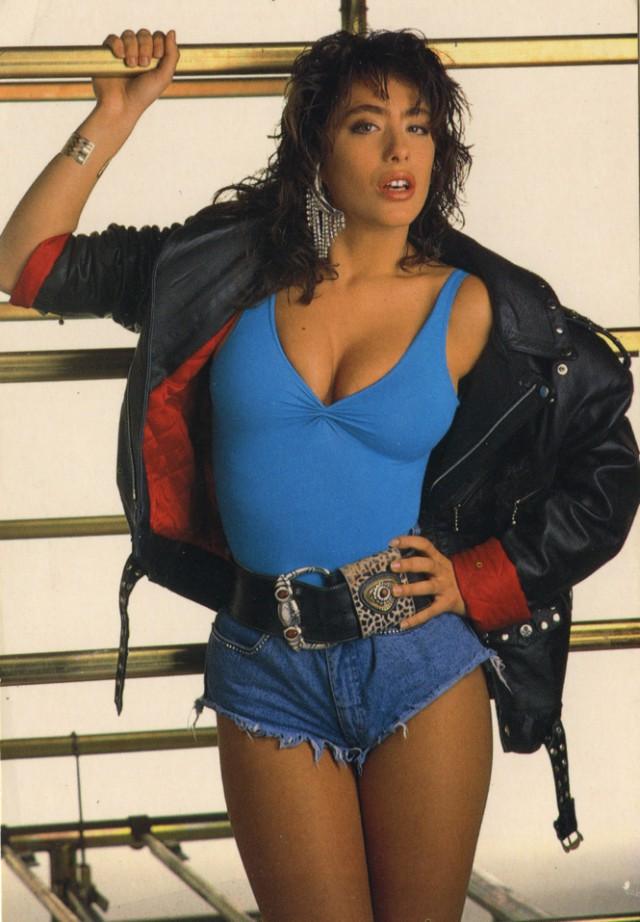 Самые сексуальные фотографии легенды поп-музыки 80-ых Сабрины.