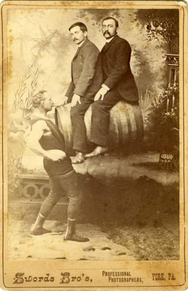 Цирк уродов прошлого века