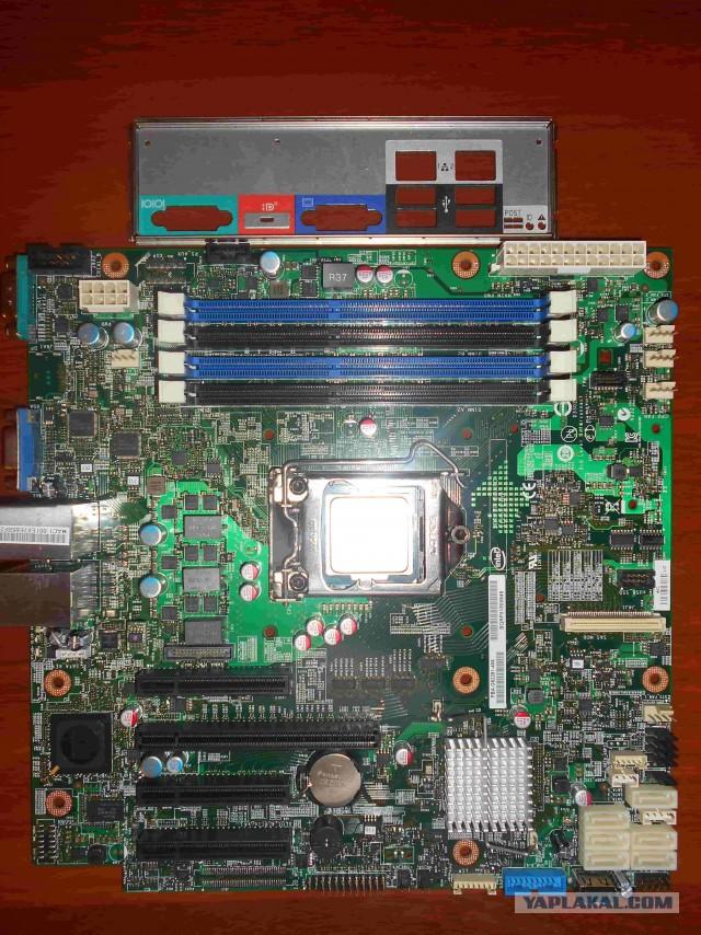 Серверная материнка с процессором. Недорого.