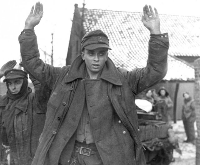 Как сдавались в плен во Второй мировой войне