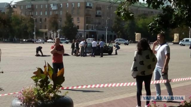В центре Белгорода мужчина выкинул тело из машины и покончил с собой