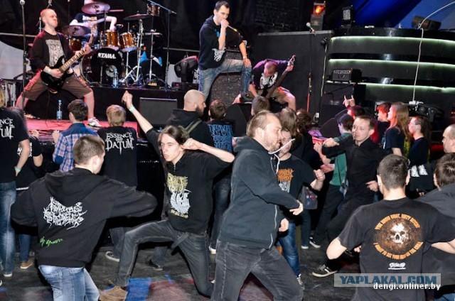 Как выглядит концерт тяжелой музыки в Минске