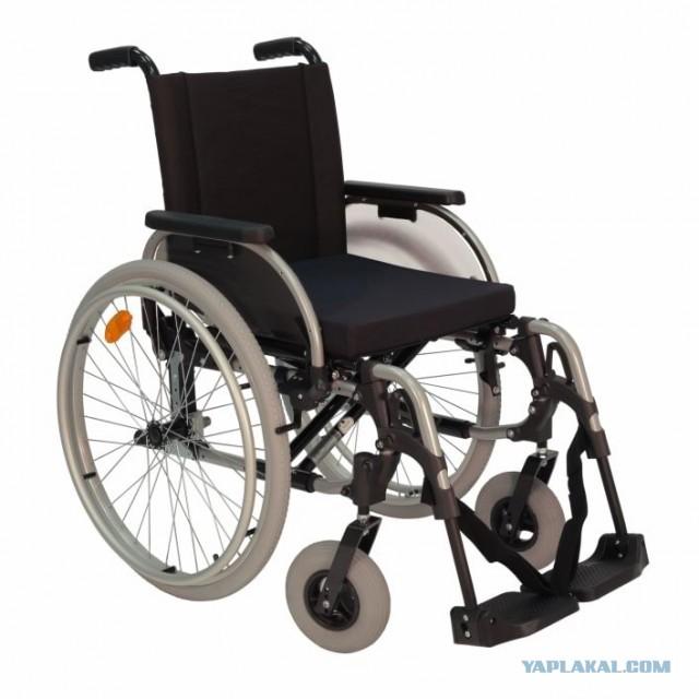 Отдам новую инвалидную коляску.