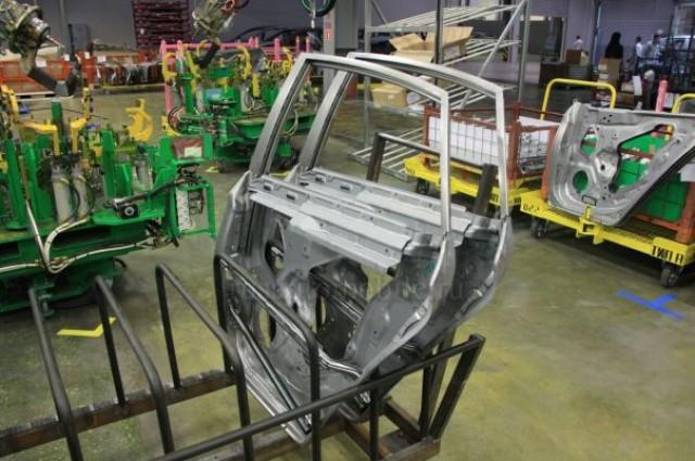 Lada Vesta на конвейере
