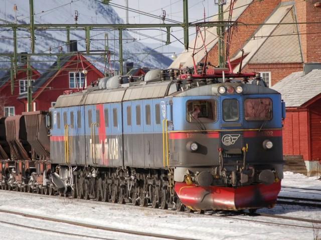 9 самых мощных железнодорожных локомотивов в мире