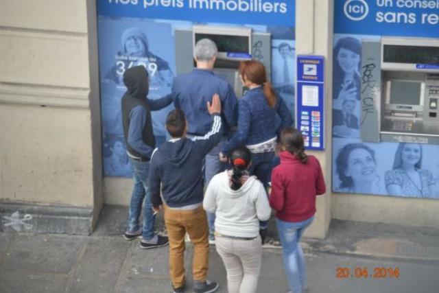 Цыганский беспредел в европейских городах