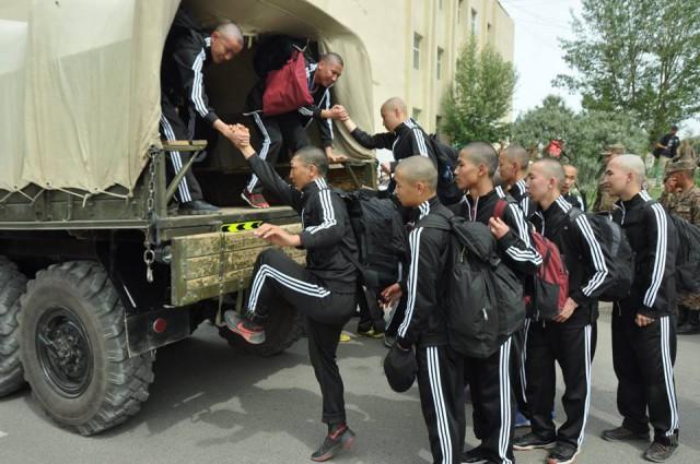 Военные сборы монгольских студентов