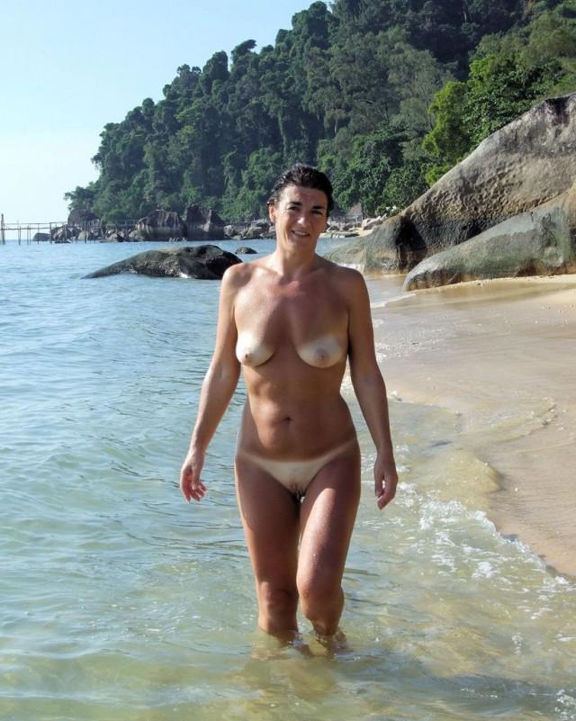 голые на пляже домашнее фото