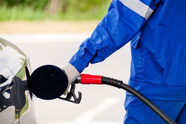 Автомобилистов предупредили оросте цен натопливо в2018 году