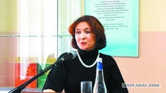 Обнародованы данные об отсутствии у судьи Хахалевой юридического образования