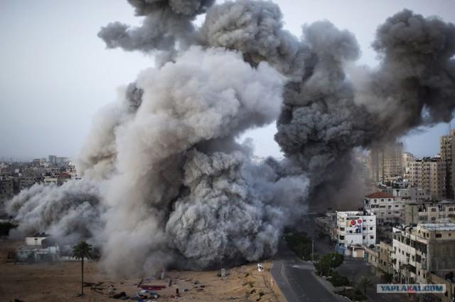 Израиль атакует, Сектор Газа отвечает.