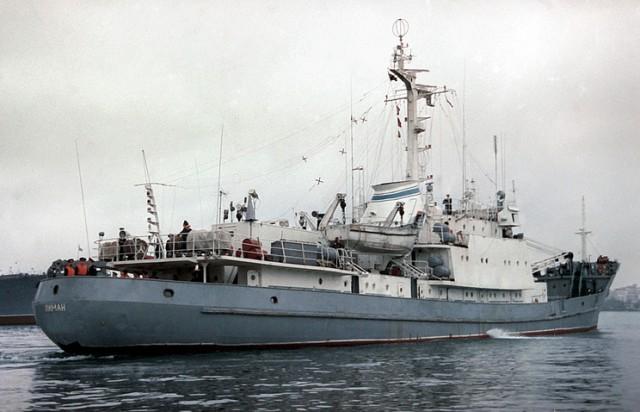 """Корабль Черноморского флота столкнулся в Черном море с судном """"Ашот-7"""" и затонул"""