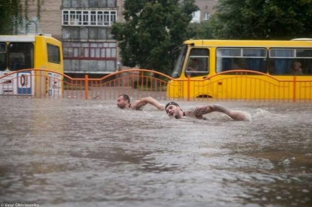 В Луцке вчера прошел дождик