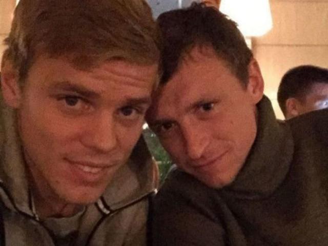 Кокорин и Мамаев избили чиновника в московском ресторане. Да, речь именно о тех Кокорине и Мамаеве. Да, они избили чиновника.
