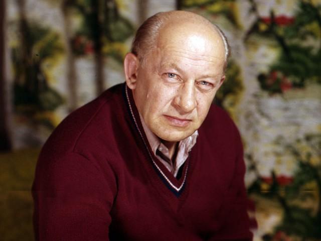 Евгению Евстигнееву 9 октября исполнилось бы 90 лет...