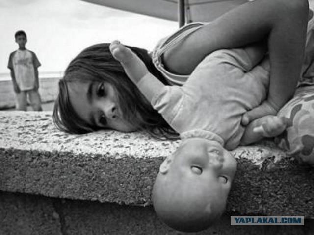 Подростки изнасиловали ребенка арматурой и бросили умирать