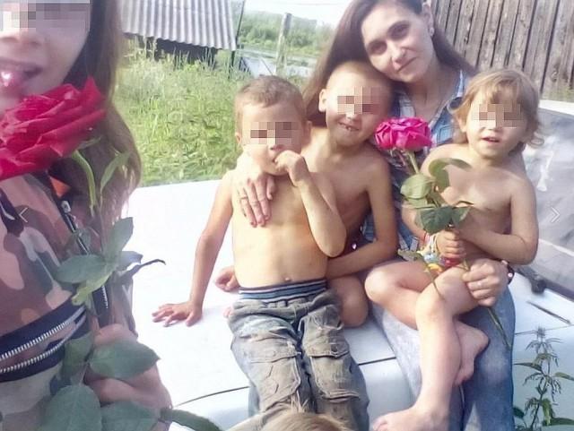 Соцслужбы забрали пятерых детей из семьи после анонимного звонка.