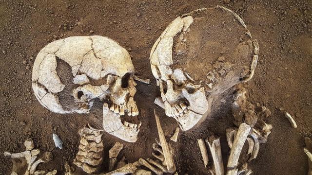 """Объятия длиной 6 тысяч лет. """"Влюбленные из Вальдаро"""". Любовь сквозь тысячелетия? Мумии и скелеты.15."""