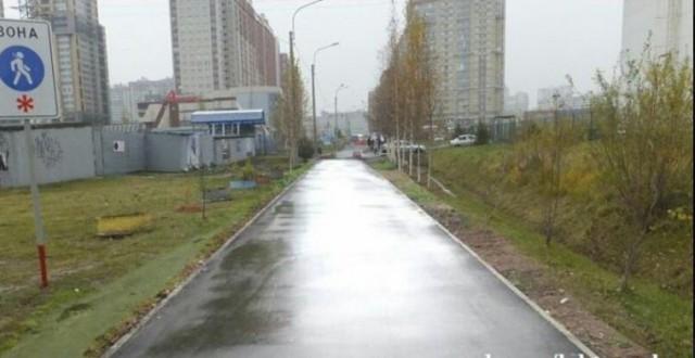 """Чиновники """"отремонтировали"""" пешеходную дорожку в Петербурге с помощью фотошопа"""