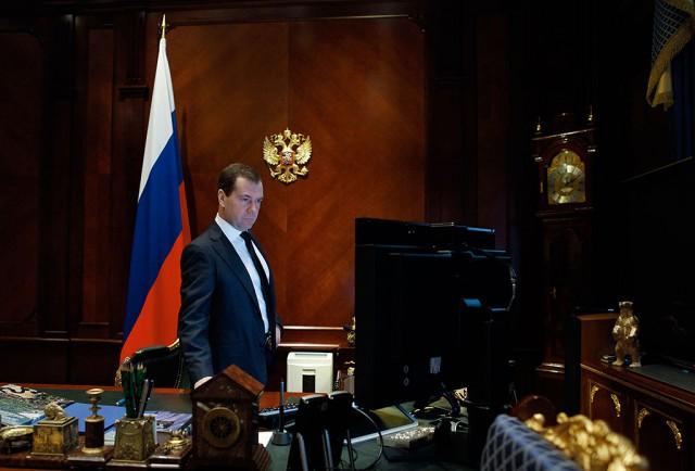 Медведев заявил, что импортозамещение снизило цены на продукты