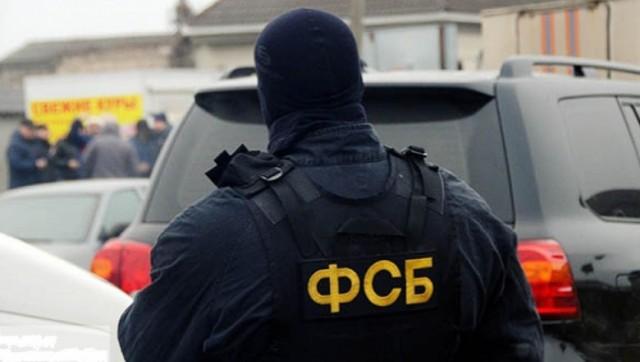 В Москве избили сотрудника ФСБ. А перед этим — расколотили его служебную машину