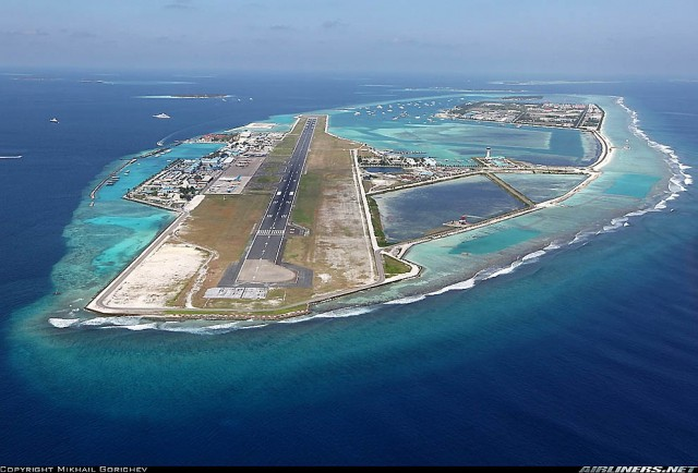 Аэропорт посреди океана